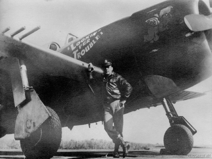 "Lt. Edgar J Huff, Ogden, UT. 63rd Fighter squadron. P-47M 44-21209 UN-B ""Lookin' Fer Trouble"". Photo Dennis Hayes"